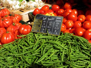Healthy vegetables with nutritional information