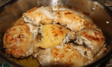 Lemony Garlic And Thyme Chicken